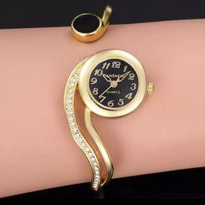 🎀New Bangle Style Zircon Stylish Black Gold Watch